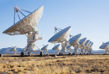 shutterstock_ IrinaK_satelite