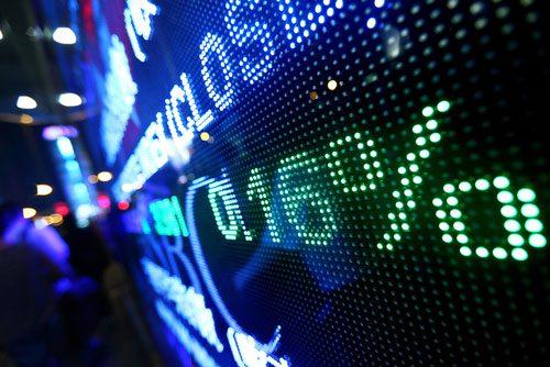 shutterstock_ leungchopan_economia