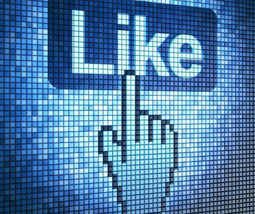 shutterstock_Maksim Kabakou_Internet_app_rede_social_geral