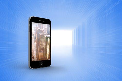 shutterstock_snapgalleria_nuvem_celular_datacenter