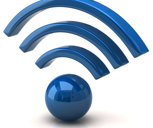 shutterstock_valdis torms_banda_larga_telefonia_celular_antena