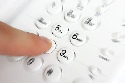 shutterstock_ LeventeGyori_telefonia_fixa_concessionaria_operadoras_qualidade_call_center