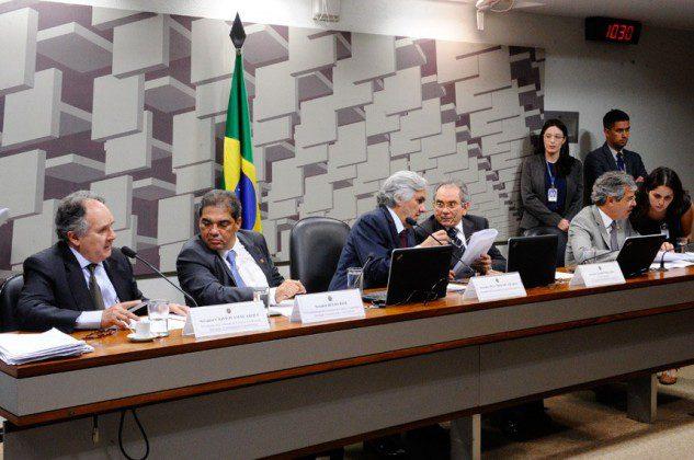 Comissão de Ciência e Tecnologia votou pela retirada de emendas para que texto siga a plenário e, se aprovado, para sanção presidencial.